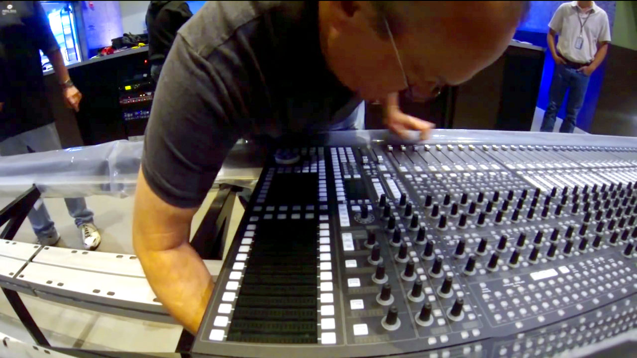 Watch Full Sail Florida Install New System 5 Dual-Operator Console In Under 2 Minutes