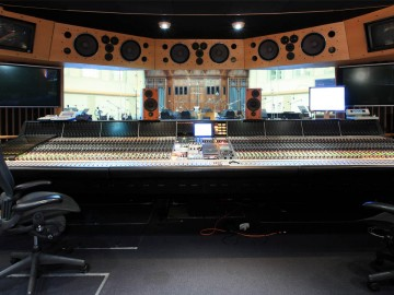 Walking on 'AIR'—Legendary AIR Studios Continue to Run Avid Pro Tools for Multiple Mixing Triumphs
