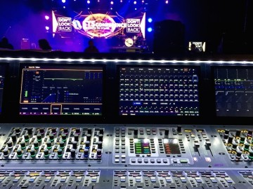 Mixing Conferences and Corporate Events with S6L