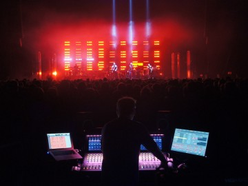 VENUE | S6L: On Tour with Robb Allan and Massive Attack